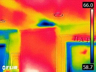 FLIR C3 mostra infiltrazioni d'aria