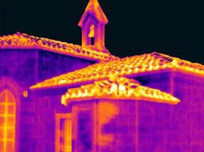 Termografia per la verifica energetica degli edifici: La termografia è un metodo efficiente per individuare criticità come i ponti termici e consentire una più accurata valutazione del peso nel bilancio totale dello scambio termico.