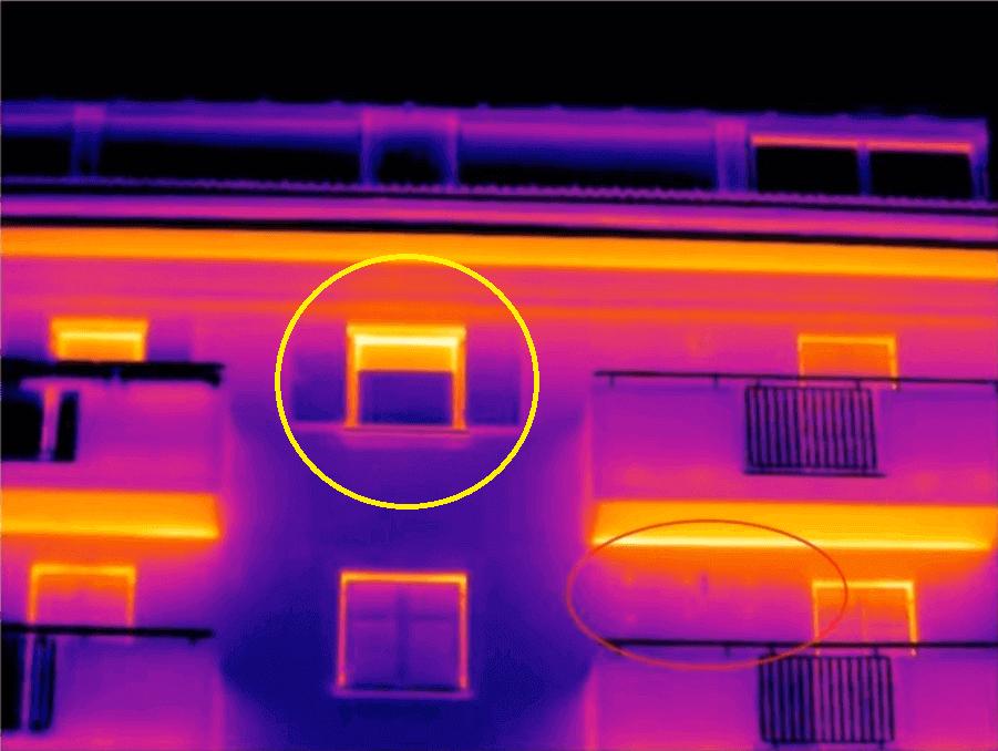 Termografia in edilizia riflesso gronda parte alta finestra